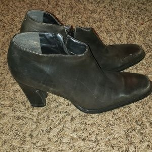 Nine West ankle boots 7M